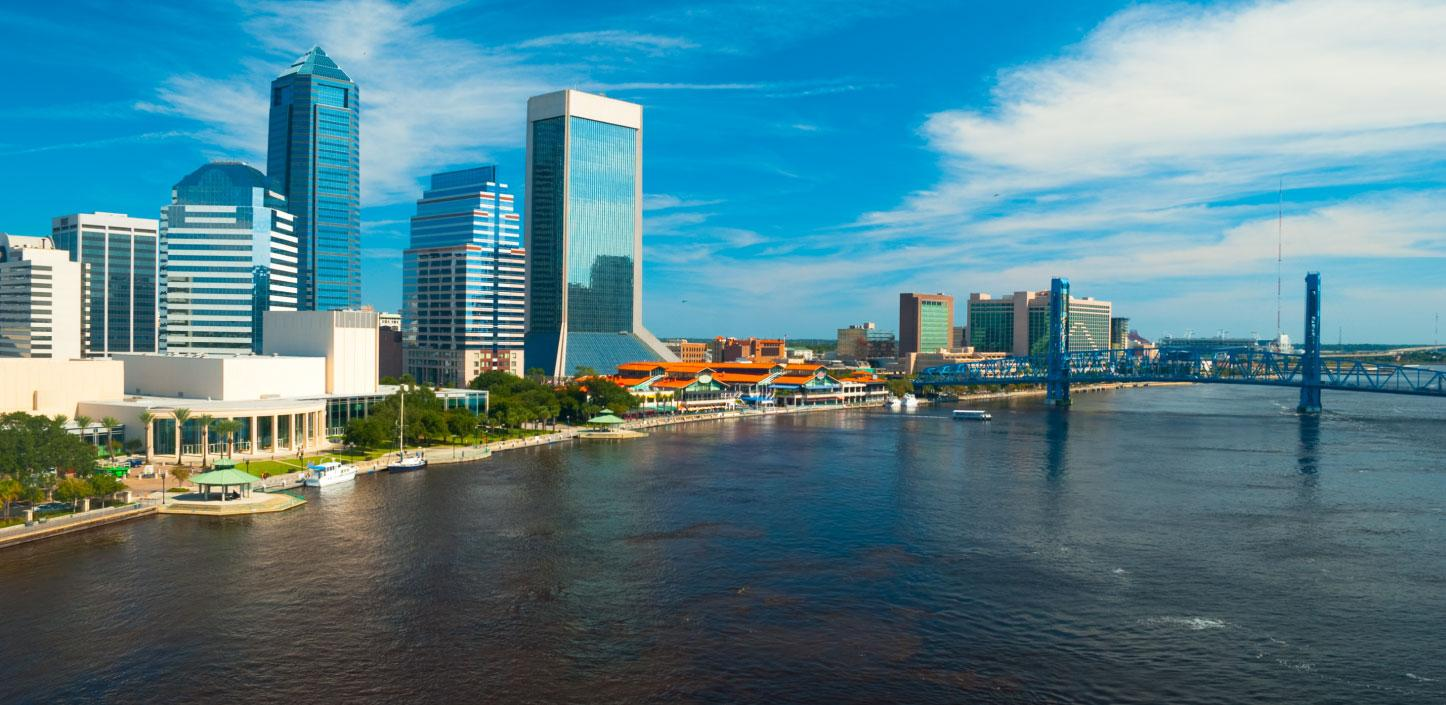 Jacksonville, Florida city meets shoreline